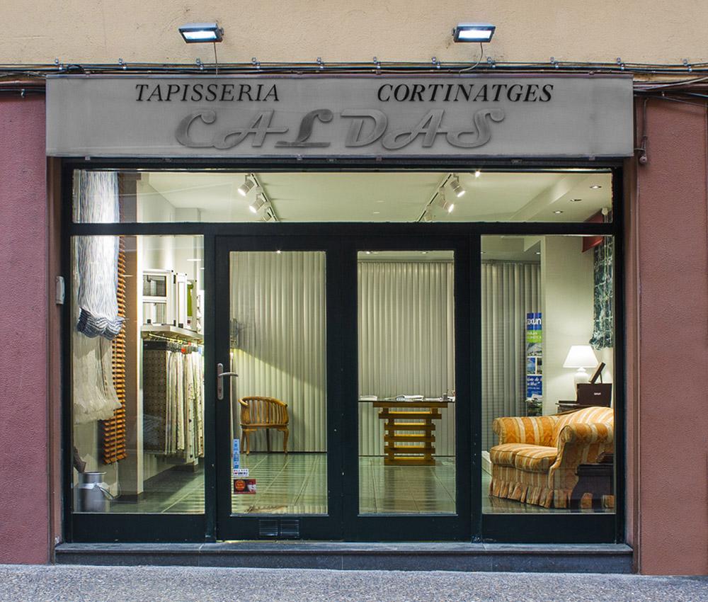 Caldas Cortinatges al carrer la rutlla de Girona